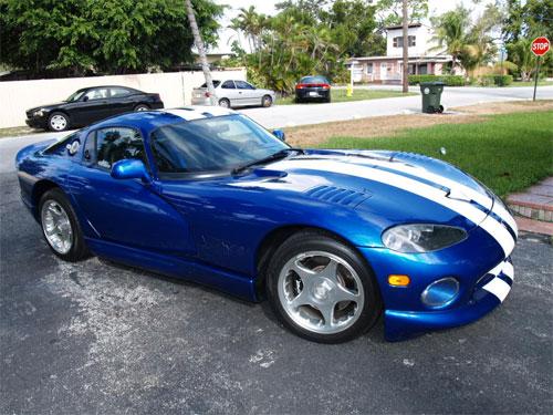 1996 Dodge Viper GTS blue with white stripes