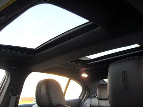 2009 Lincoln MKS dual moonroof